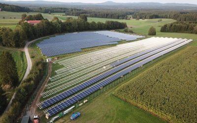 Usine Véolia Rousset : le premier centre de recyclage de panneaux photovoltaïque au monde