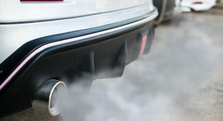 voiture avec moteur thermique